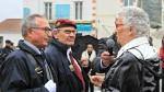 challans-ceremonie-du-11-novembre-deux-porte-drapeaux-decores.jpg