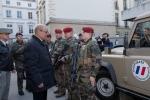 jean-yves-le-drian-ministre-de-la-defense-a-rencontre-les-soldats-de-l-operation-sentinelle-30-decembre-2016_01_a_la_une.jpg