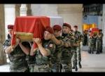 cercueil-d-un-des-soldats-morts-en-afghanistan-(photo-afp)-1418792006.jpg